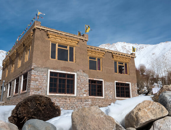 Snow Leopard Lodge, Ulley